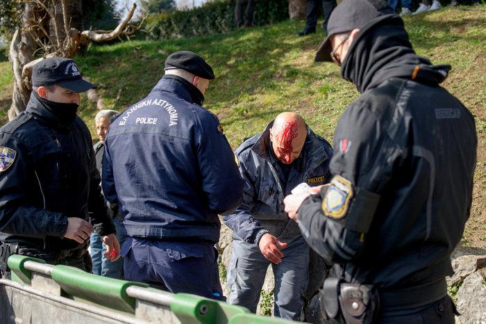 Επεισόδια στα Ιωάννινα μεταξύ αντιεξουσιαστών και αστυνομικών ((ΦΩΤΟ) - εικόνα 12