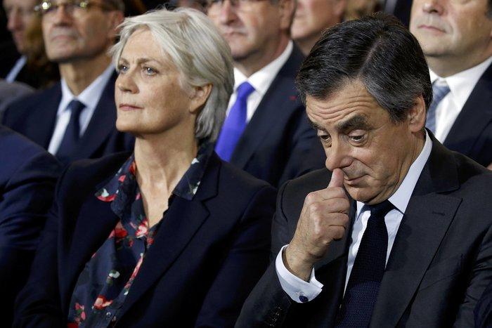 """Τα σκάνδαλα και ο φόβος του Frexit βάζουν """"φωτιά"""" στη Γαλλία"""