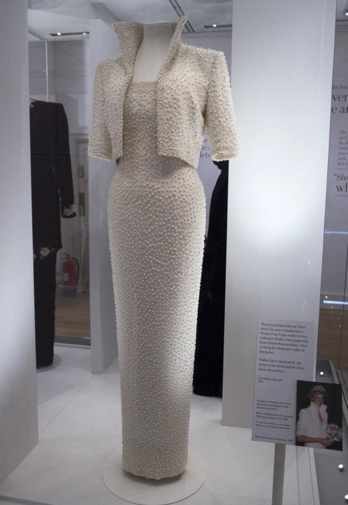 Έκθεση με τα πιο εντυπωσιακά φορέματα της πριγκίπισσας Νταϊάνα -φωτό- - εικόνα 8