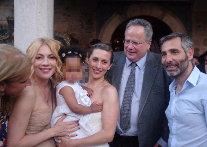 Η κόρη της Βίκυς Βολιώτη είναι η πιο όμορφη κοκκινοσκουφίτσα