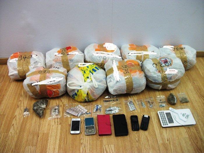Τρεις συλλήψεις στη Μεσογείων για διακίνηση ναρκωτικών - εικόνα 2