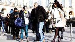 Ρομαντική βόλτα στο Παρίσι για τη σικάτη έγκυο Αμάλ και τον Τζορτζ Κλούνεϊ