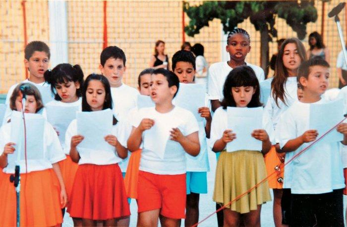 Ο Αντετοκούνμπο τσολιαδάκι με την ελληνική σημαία - Το άγνωστο άλμπουμ του - εικόνα 3