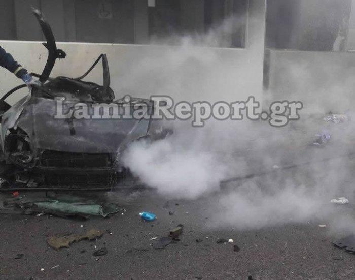 Σοκαρισμένο το πανελλήνιο από το φρικτό τροχαίο στην Αθηνών-Λαμίας - εικόνα 3
