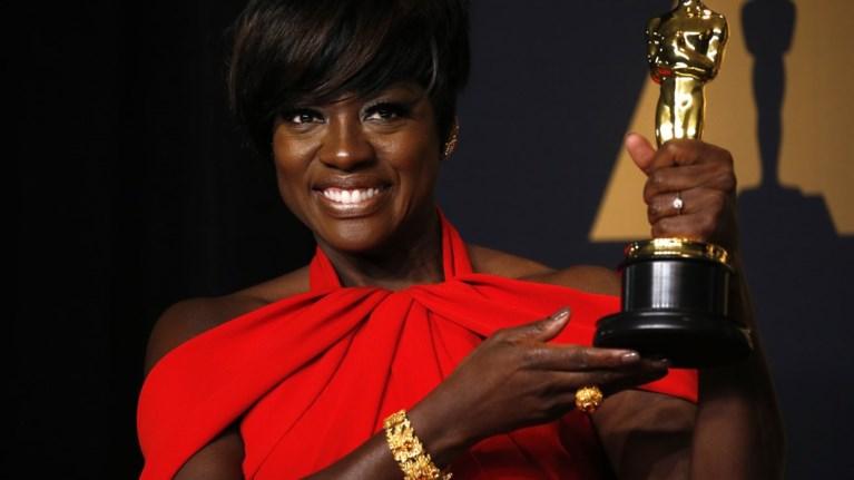 Η πρώτη μαύρη ηθοποιός που κατακτά Emmy, Tony και Oscar