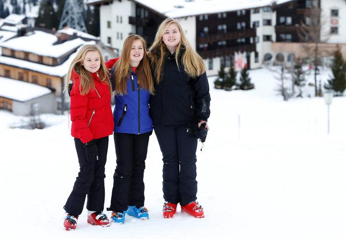 Το βασιλικό ζεύγος της Ολλανδίας & οι πριγκίπισσες στα χιόνια - εικόνα 3