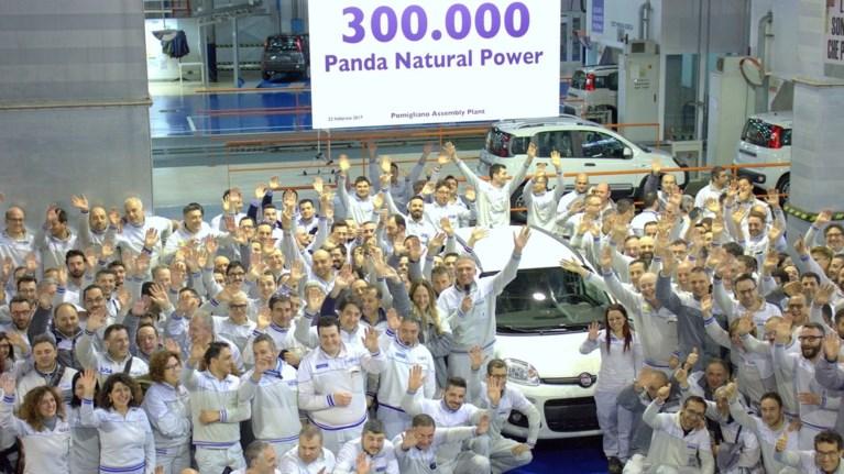 300000-fiat-panda-me-fusiko-aerio-stous-dromous-tou-planiti