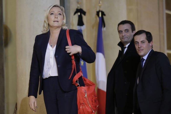 Μύλος στη Γαλλία: Ανεβαίνει ο Μακρόν, στη γωνία ο Φιγιόν - εικόνα 3