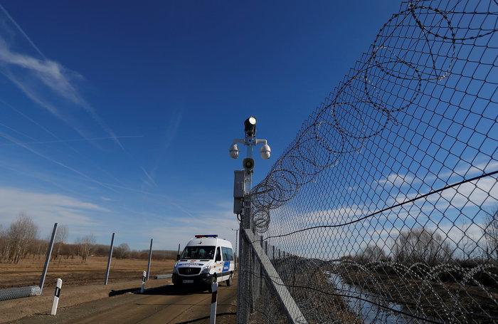 Ουγγαρία: Χτίζει νέο φράχτη κατά των μεταναστών με τεχνολογία ηλεκτροσόκ - εικόνα 2