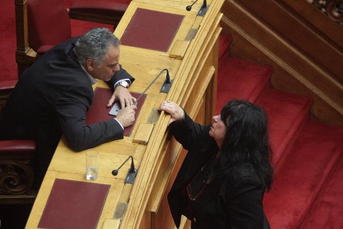 Συγκίνηση στη Βουλή με Λυκούδη - Βαγενά για Κηλαηδόνη