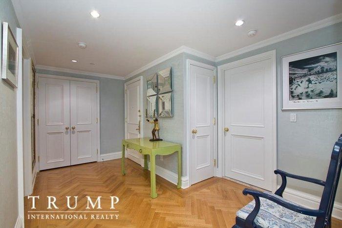 Μπείτε στο σπίτι της Ιβάνκα Τραμπ που πουλά για 4,1 εκ. δολάρια - εικόνα 3