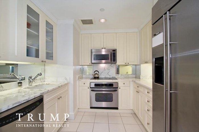 Μπείτε στο σπίτι της Ιβάνκα Τραμπ που πουλά για 4,1 εκ. δολάρια - εικόνα 7