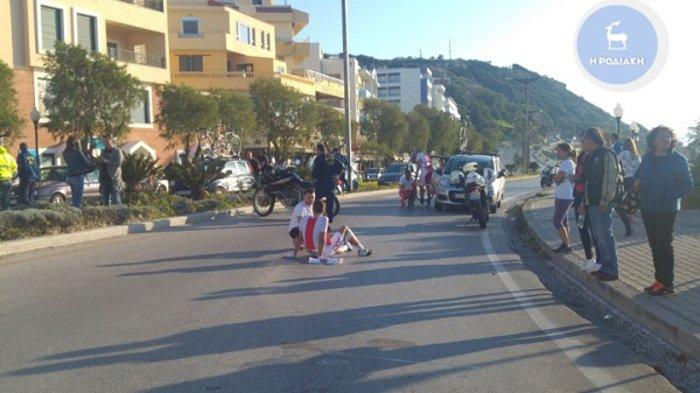 Σοβαρό τροχαίο με ποδηλάτες και μοτοσικλέτα της Αστυνομίας (ΦΩΤΟ)