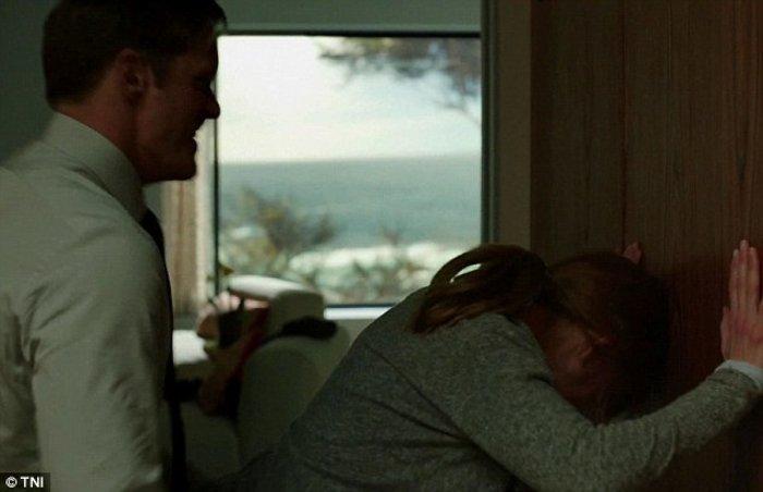 Nικόλ Κίντμαν: Τόπλες και θύμα ενδοοικογενειακής βίας με μώλωπες στο κορμί - εικόνα 7