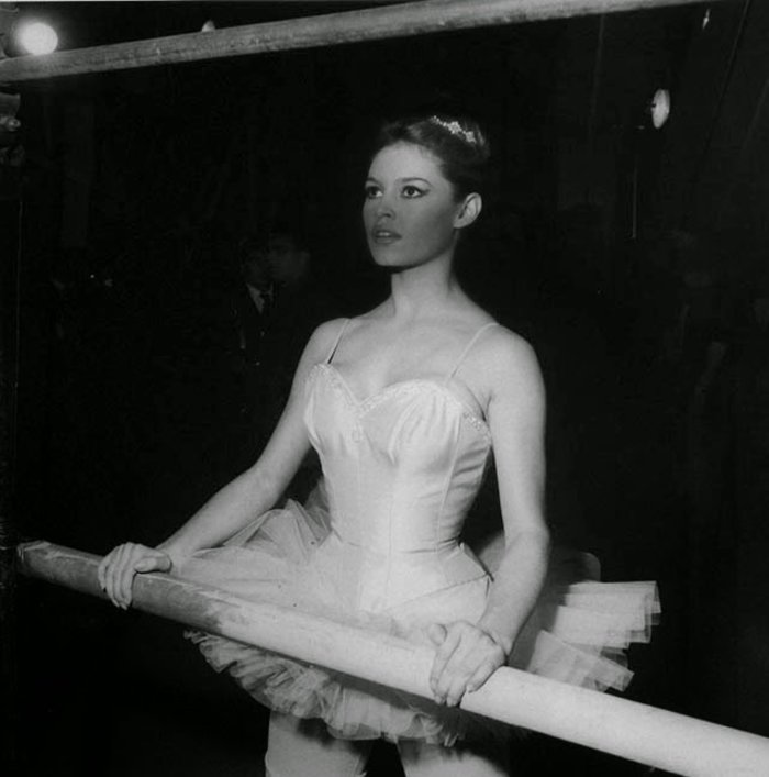 Μπριζίτ Μπαρντό: Η πρίμα μπαλαρίνα που έγινε σύμβολο του σεξ - εικόνα 15