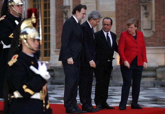 """Βερσαλίες: Υπέρ της Ευρωπαϊκής Ενωσης πολλών ταχυτήτων οι """"4 μεγάλοι"""" - εικόνα 2"""