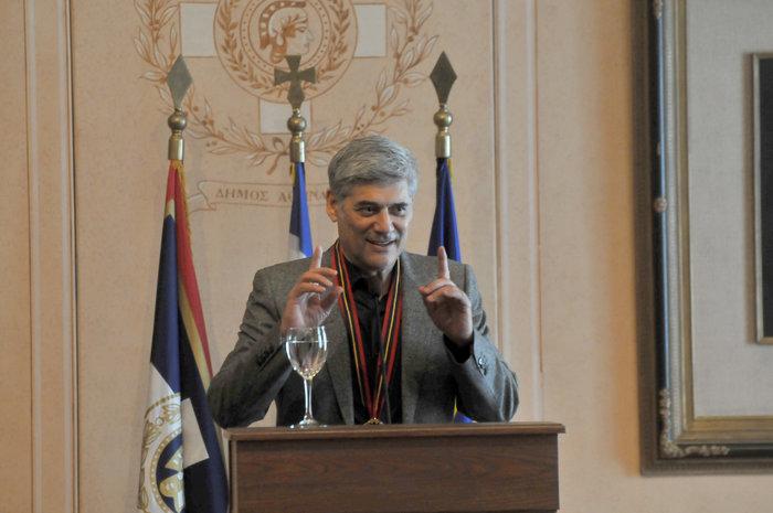Επίτιμος δημότης της Αθήνας ανακηρύχθηκε ο ηθοποιός Γ. Χωραφάς - εικόνα 4