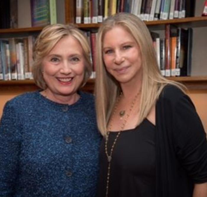 Με τη Χίλαρι Κλίντον: αυτή είναι η πιο σημαντική ψηφοφορία της ζωής μου, έγραψε στο Instagram