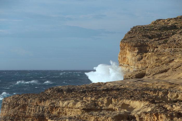 Η θάλασσα «κατάπιε» το περίφημο Γαλάζιο Παράθυρο στη Μάλτα - φωτό - - εικόνα 2