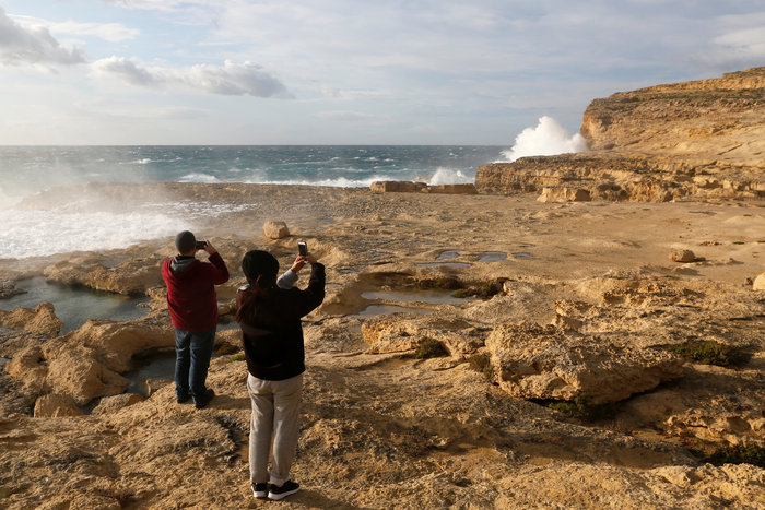 Η θάλασσα «κατάπιε» το περίφημο Γαλάζιο Παράθυρο στη Μάλτα - φωτό - - εικόνα 3
