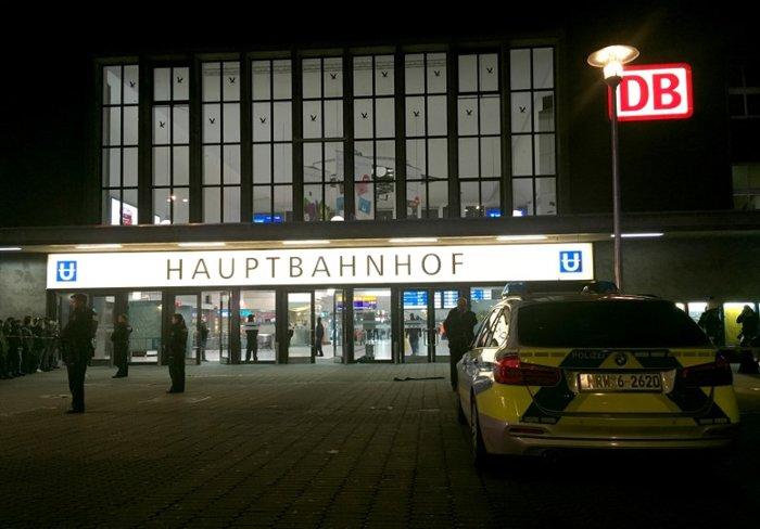 Επίθεση άνδρα με τσεκούρι στον σιδηροδρομικό σταθμό του Ντίσελντορφ - εικόνα 2