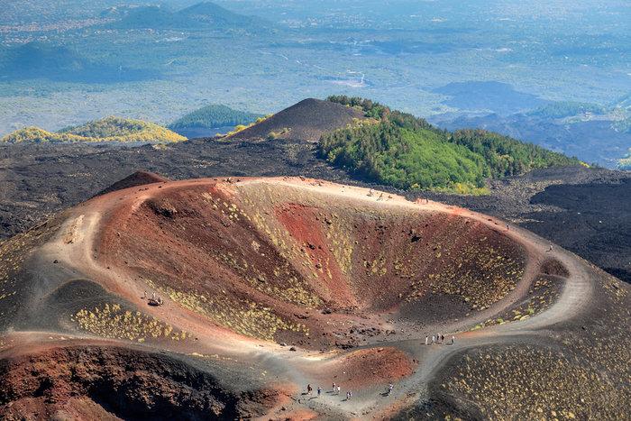 Αίτνα, το ηφαίστειο που δεν έχει σταματήσει να βρυχάται