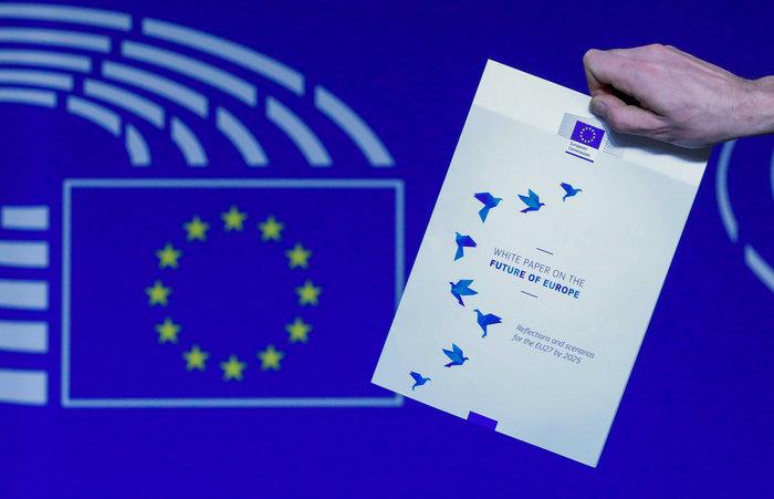 Η «Λευκή Βίβλος» του Γιούνκερ για το μέλλον της Ευρώπης