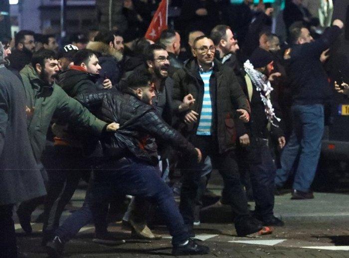 Επεισόδια στην Ολλανδία για την απέλαση της Τουρκάλας υπουργού (ΦΩΤΟ) - εικόνα 2