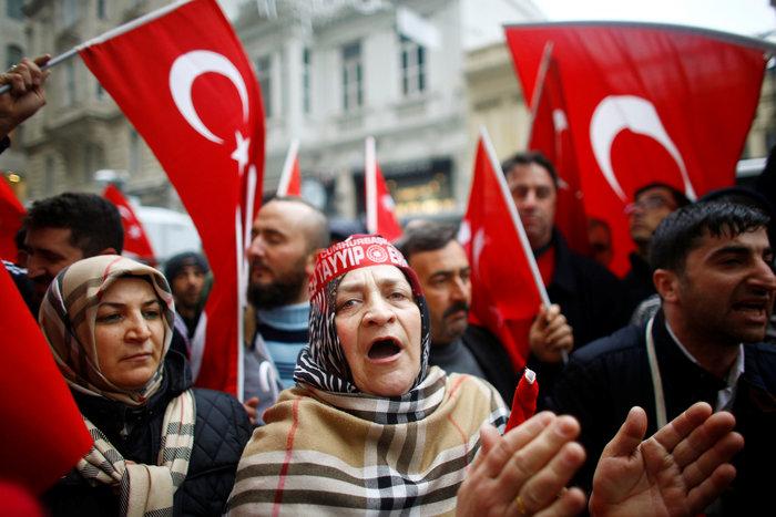 «Πόλεμος» Τουρκίας-Ολλανδίας με διαβήματα & ταξιδιωτικές οδηγίες