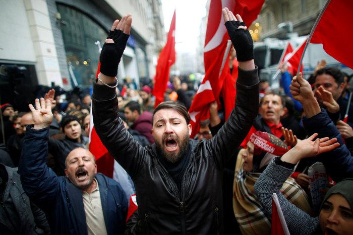 «Πόλεμος» Τουρκίας-Ολλανδίας με διαβήματα & ταξιδιωτικές οδηγίες - εικόνα 2
