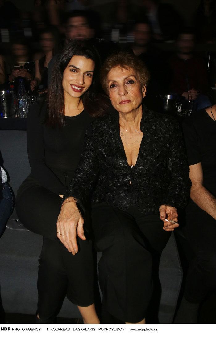 Δείτε την γοητευτική μαμά της Τόνιας Σωτηροπούλου - εικόνα 2