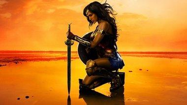 ta-spaei-to-neo-trailer-me-tin-wonder-woman