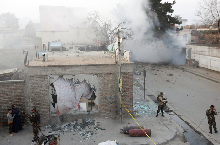 Κόλαση φωτιάς στην Καμπούλ μετά από επίθεση αυτοκτονίας - εικόνα 5