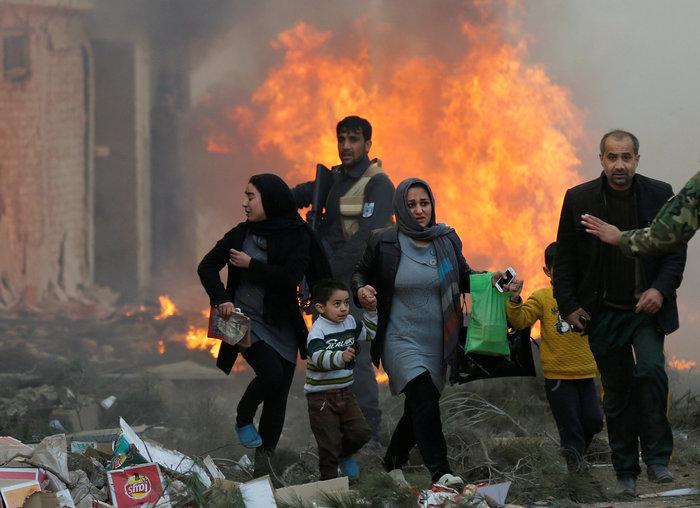 Κόλαση φωτιάς στην Καμπούλ μετά από επίθεση αυτοκτονίας - εικόνα 6