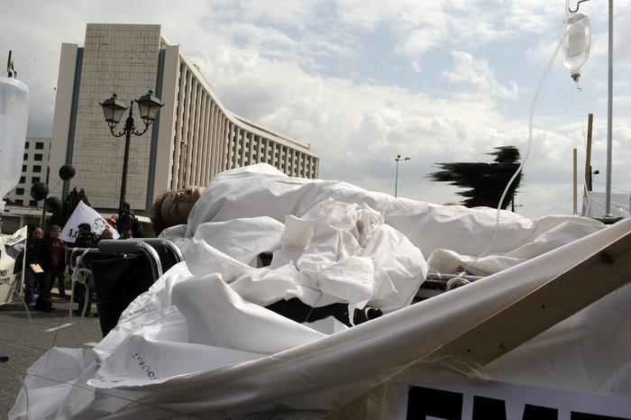 Ενταση στην πορεία διαμαρτυρίας των εργαζομένων στα νοσοκομεία - εικόνα 7