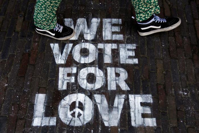 Οι Ολλανδοί ψήφισαν με σκυλιά, παιδιά και ποδήλατα (ΦΩΤΟ) - εικόνα 14