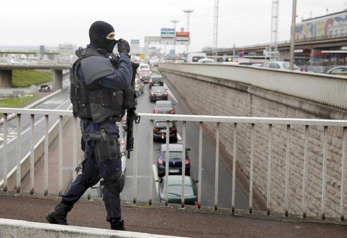 Τζιχαντιστής γνωστός στις αρχές ο δράστης της επίθεσης στο Ορλί - εικόνα 5