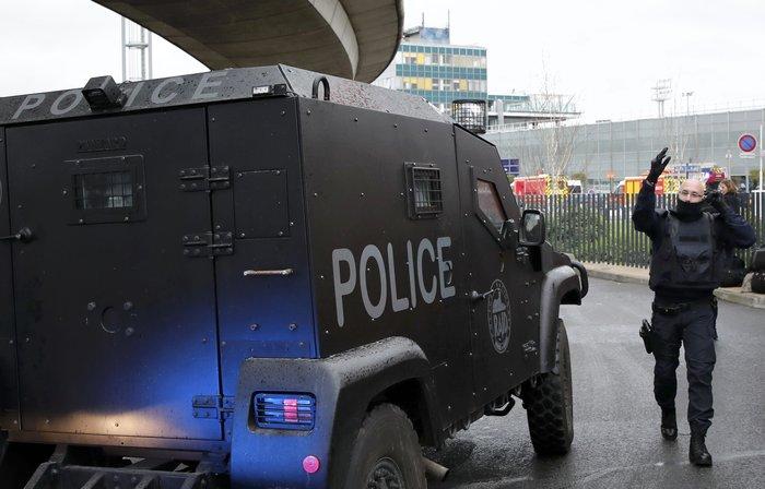Τζιχαντιστής γνωστός στις αρχές ο δράστης της επίθεσης στο Ορλί - εικόνα 6