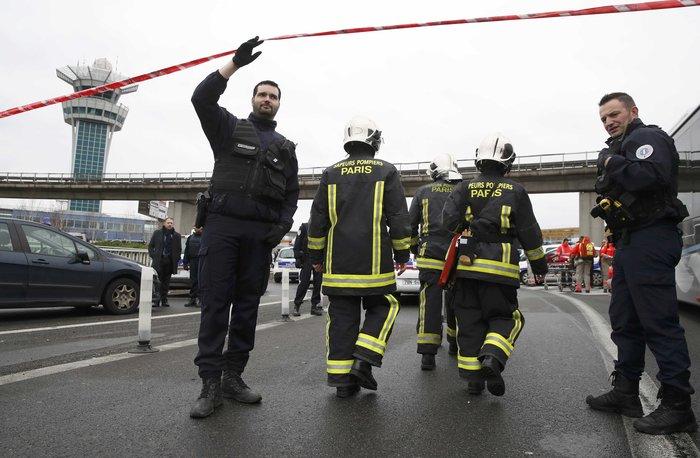 """""""Θα πεθάνω για τον Αλλάχ"""" φώναζε ο τζιχαντιστής στο αεροδρόμιο Ορλύ - εικόνα 2"""