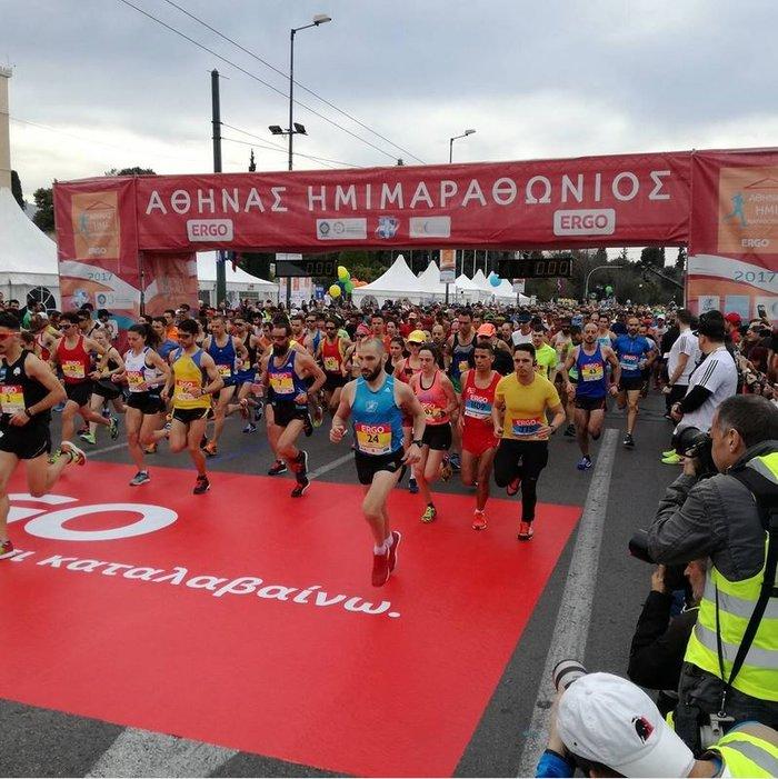 6ος Ημιμαραθώνιος: 21.000 Αθηναίοι έτρεξαν με σύμμαχο τον καλό καιρό - εικόνα 12