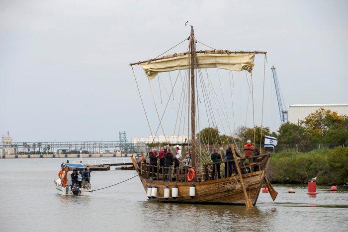 Αντίγραφο αρχαιοελληνικού πλοίου καθέλκυσαν οι Ισραηλινοί - εικόνα 2