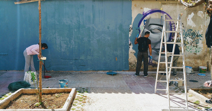 Μια street art επέμβαση σε εγκαταλελειμμένο κτίριο στην Πλ. Αττικής - εικόνα 3