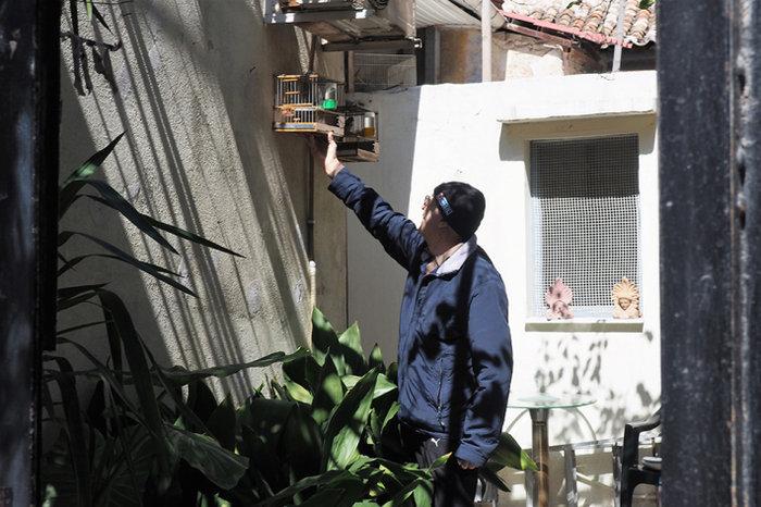 Μια street art επέμβαση σε εγκαταλελειμμένο κτίριο στην Πλ. Αττικής - εικόνα 10