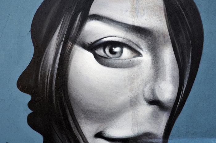 Μια street art επέμβαση σε εγκαταλελειμμένο κτίριο στην Πλ. Αττικής - εικόνα 16