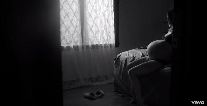 Νάταλι Πόρτμαν: Εγκυος και εκθαμβωτική σε βίντεο κλιπ λίγο πριν γεννήσει - εικόνα 2
