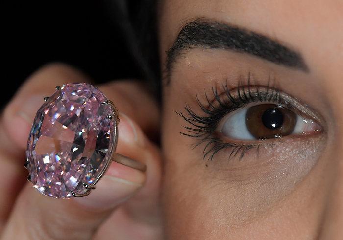 """""""Στο σφυρί"""" τo διαμάντι Pink Star των 59,60 καρατίων - εικόνα 5"""