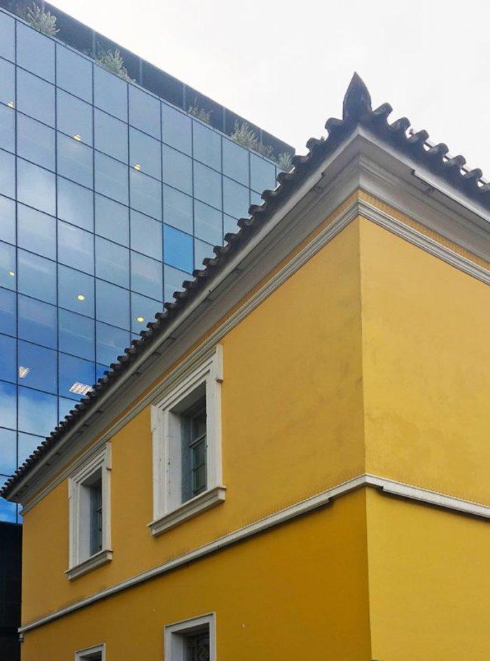 ΟΙΚΙΑ ΡΑΛΛΗ. Η κατοικία του Δημήτριου Ράλλη, ένα από τα λίγα δείγματα αστικής αρχιτεκτονικής της οθωνικής περιόδου στην Αθήνα, αποτελεί έργο του αρχιτέκτονα Σταμάτη Κλεάνθη.