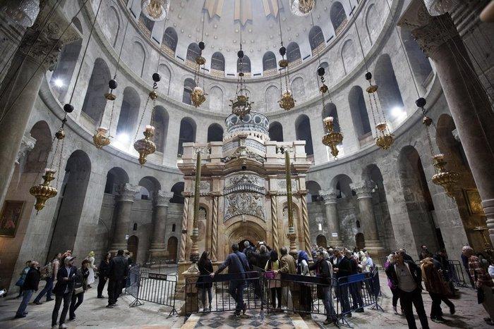 ΕΡΑ - Το Ιερό Κουβούκλιο του Πανάγιου Τάφου μετά την ανακαίνιση
