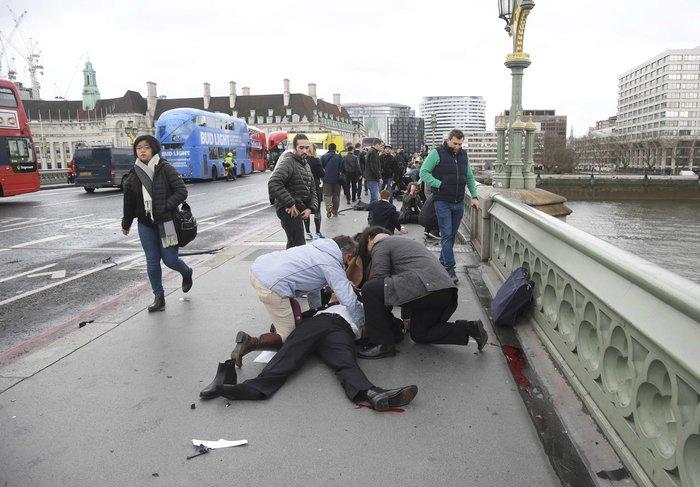Τρόμος στο Λονδίνο, επίθεση με 4 νεκρούς και 20 τραυματίες - εικόνα 4