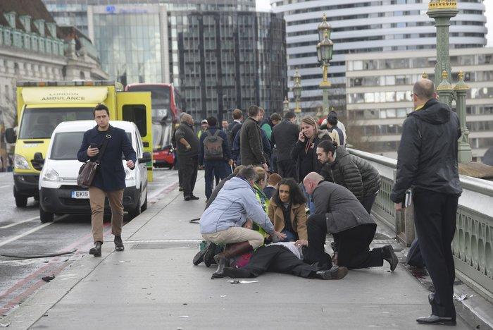 Τρόμος στο Λονδίνο, επίθεση με 4 νεκρούς και 20 τραυματίες - εικόνα 5